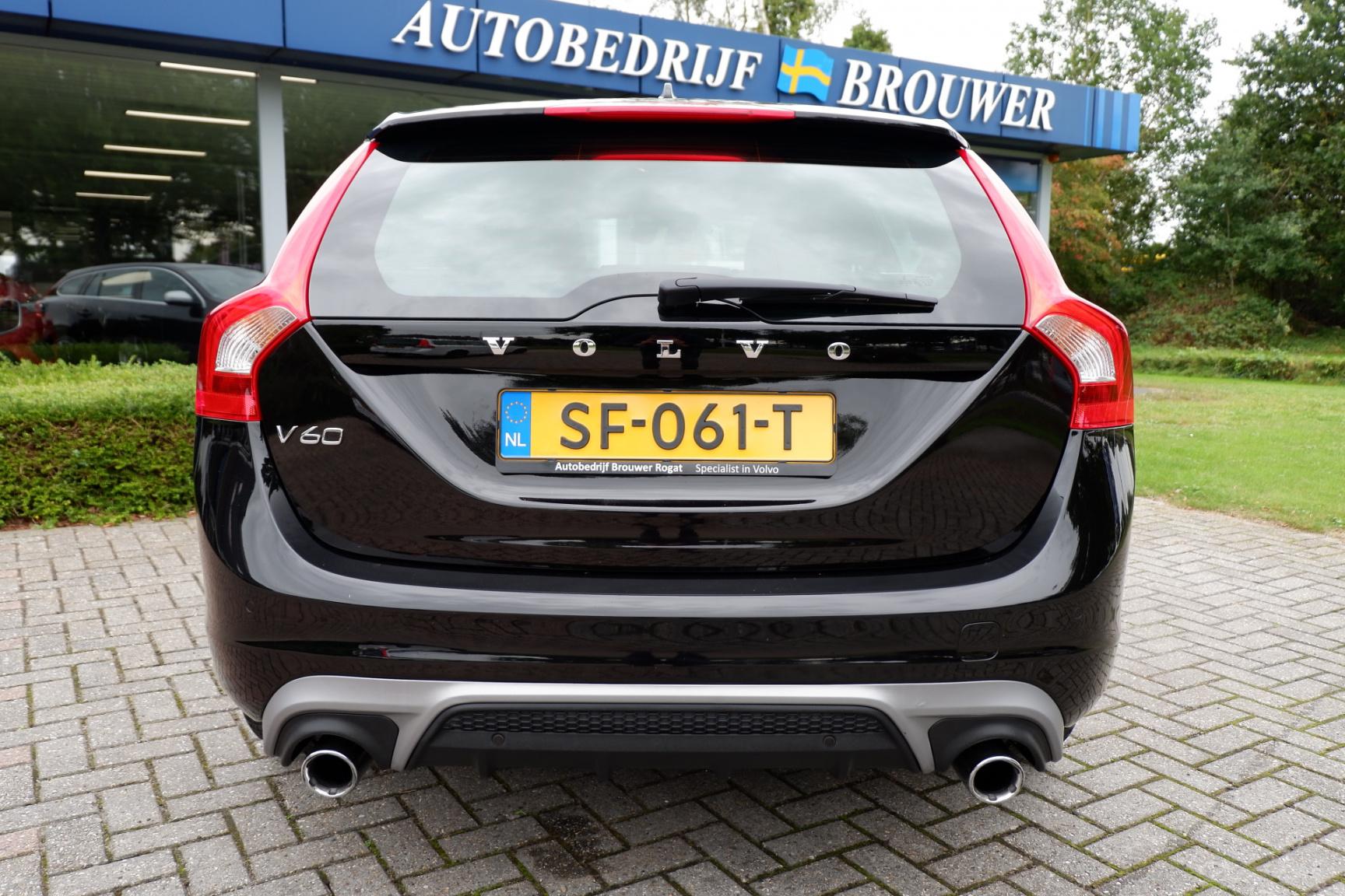Volvo-V60-6